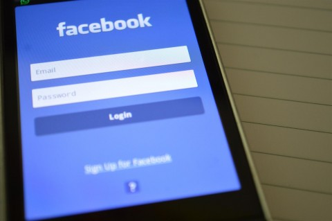 Facebook Will Redirect Searches about Opiates to SAMHSA Support